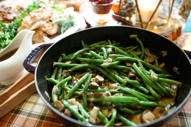 juliets-whole30-holiday-green-bean-saute